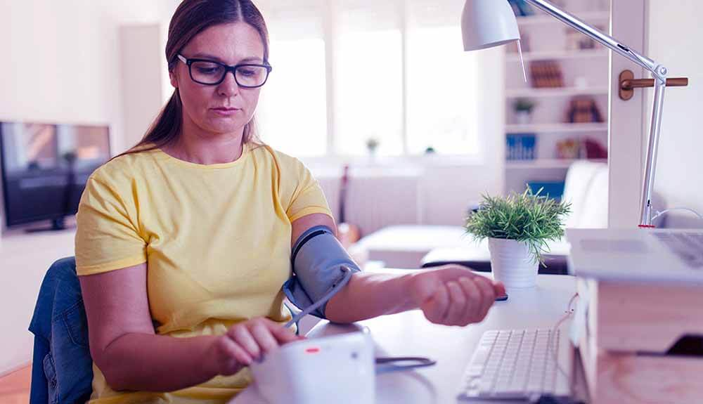 أسباب ارتفاع ضغط الدم عند النساء